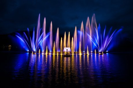 light and laser show on lake Zell | © Zell am See-Kaprun Tourimsus