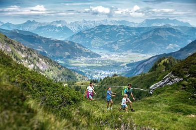 family holiday Salzburg, hiking on the glacier | © Kitzsteinhorn