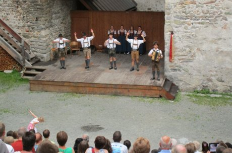 "Traditional evening with ""d'Weissbachler"" in Zell am See-Kaprun 