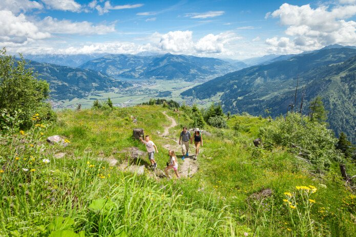 Hiking with the family in Zell am See-Kaprun | © Maiskogel Betriebs AG