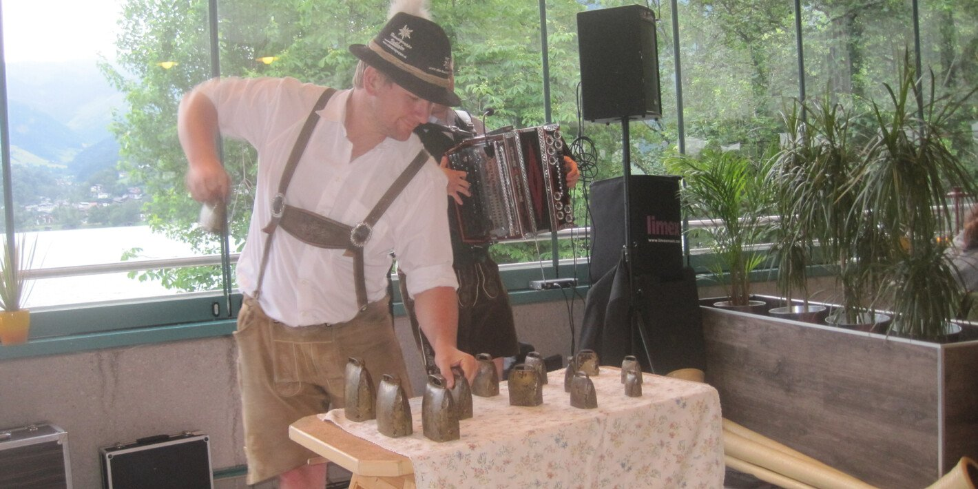 Zell Edelweisen with folk dances, traditional music and