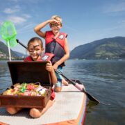 Treasure hunt at lake Zell | © Faistauer Photography