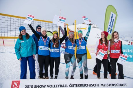 Gewinnerinnen des Snow Volleyball Staatsmeistertitels in Zell am See-Kaprun | © Chaka2/Matthias Kendler