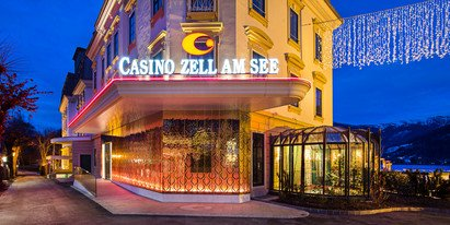 casino with view over lake Zell in the holiday destination Zell am See-Kaprun | © Faistauer Photography