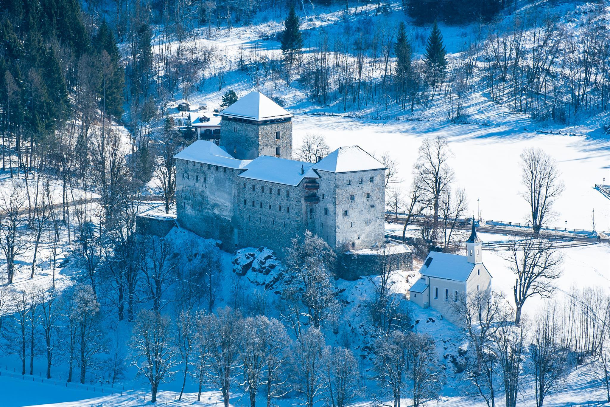 Christmas Market at the Castle Kaprun - 14/12/2019, from 11:00 AM