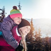 Family moments during the winter holiday in Zell am See-Kaprun | © Zell am See-Kaprun Tourismus