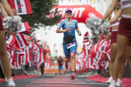 Zieleinlauf Daniela Bleymehl - 1st Woman Ironman 70.3 | © Getty Images
