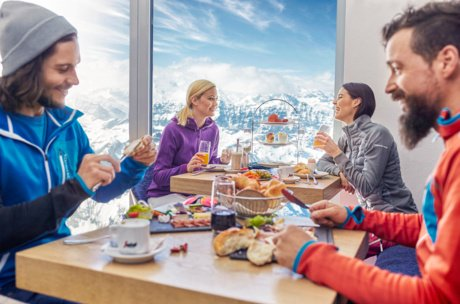 Culinary delights on the mountain: restaurant at Kitzsteinhorn | © Zell am See-Kaprun Tourismus GmbH