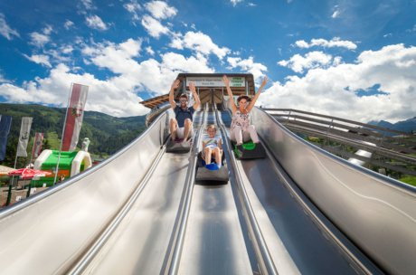 Bouncy caslte land, slide paradise and more during your family holiday | © Kitzsteinhorn