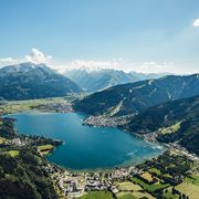 Blue lake Zell in between mountains  | © Zell am See-Kaprun Tourismus