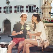 Take a break at town square Zell am See | © Zell am See-Kaprun Tourismus