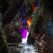 Nature-festival enchanted by colourful light and roaring water   © Expa Jürgen Feichter