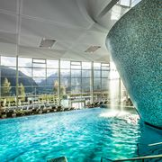 Indoor & outdoor pools at TAUERN SPA in SalzburgerLand | © TAUERN SPA