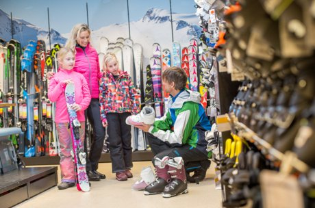 Best ski equipment for all ages | © Zell am See-Kaprun Tourismus GmbH