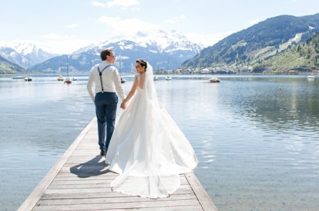 Lake Zell as a wedding back drop | © Schloss Prielau