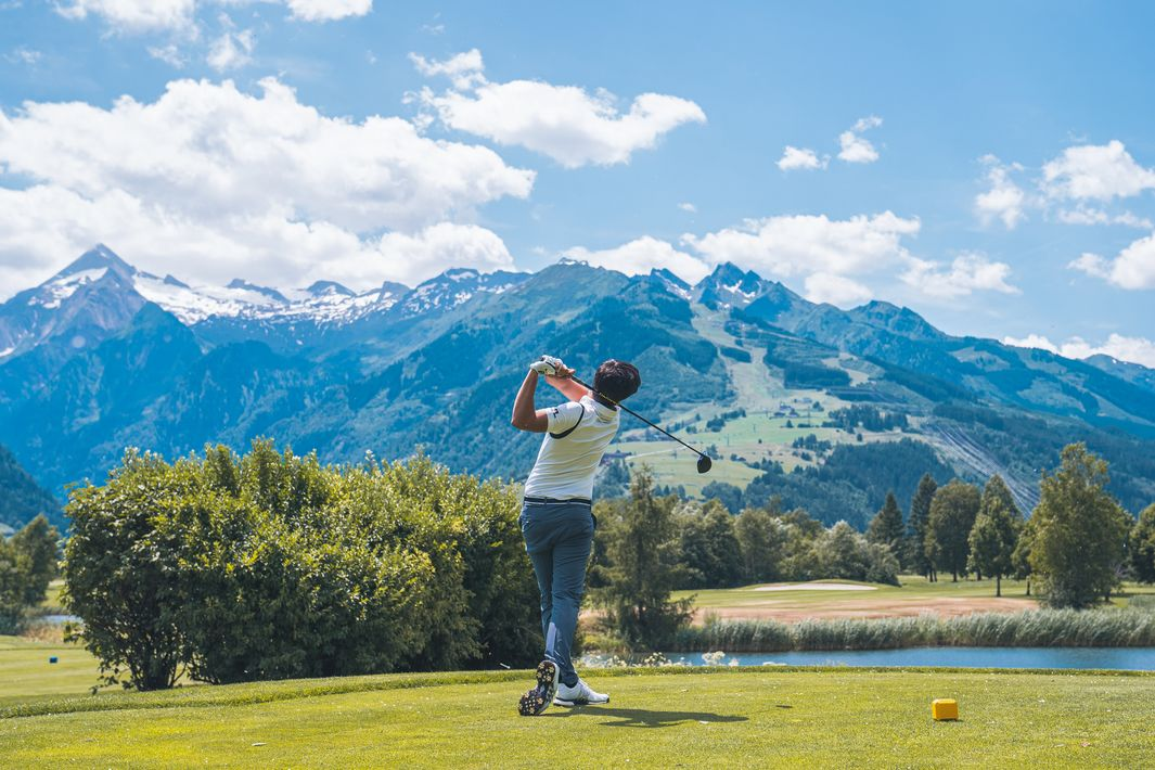 Two 18-hole courses between glacier, mountain and lake | © Johannes Radlwimmer