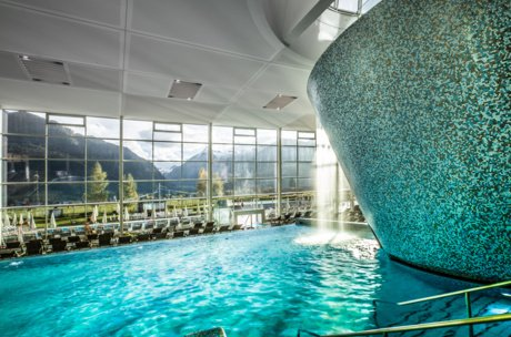 Indoor & outdoor Pools im TAUERN SPA im SalzburgerLand | © TAUERN SPA