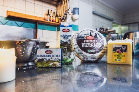 Ingredients for the Kasnocken by the Pinzgau Milch | © Zell am See-Kaprun Tourismus