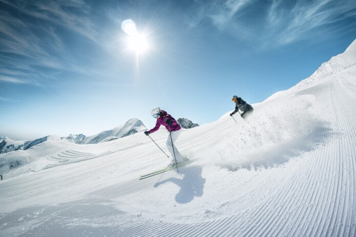 Couple/Friends skiing on Kitzsteinhorn | © Kitzsteinhorn