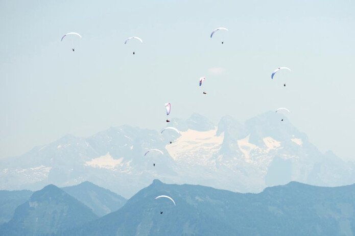 Die Red Bull X-Alps-Athleten in der Luft | © Red Bull X-Alps, Ulrich Grill