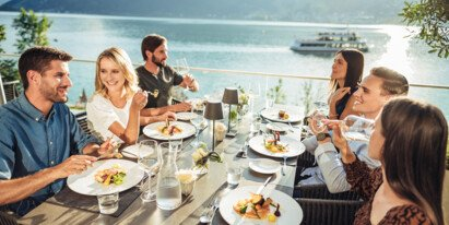 Culinary delights with friends | © Zell am See-Kaprun Tourismus