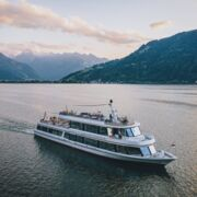 Aerial view of the MS Schmittenhöhe at sunset | © EXPA Pictures