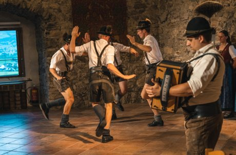 """Traditional evening with """"d'Weissbachler"""" in Zell am See-Kaprun 