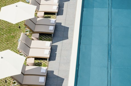 Wellness area: Outdoor pool at the HAIDVOGL MAVIDA Zell am See | © HAIDVOGL MAVIDA Zell am See